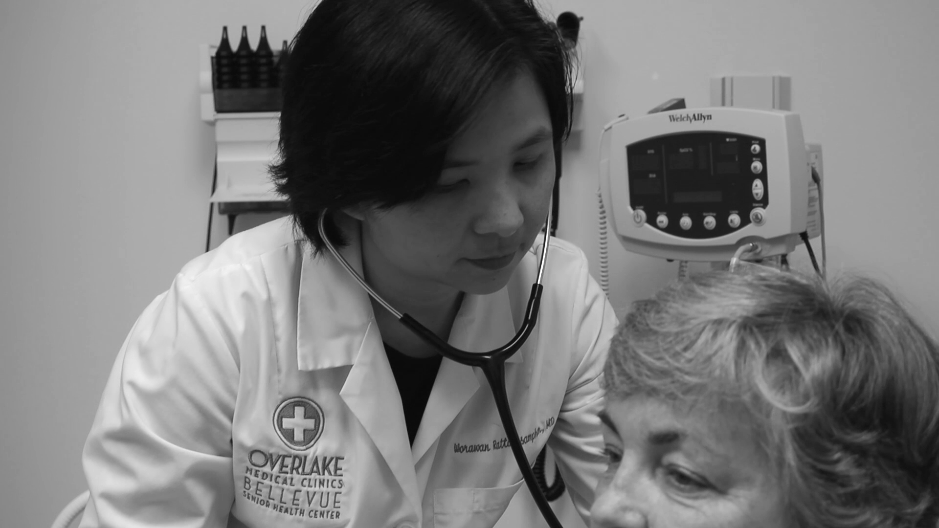 Dr. Rattanasamphan talks about her practice