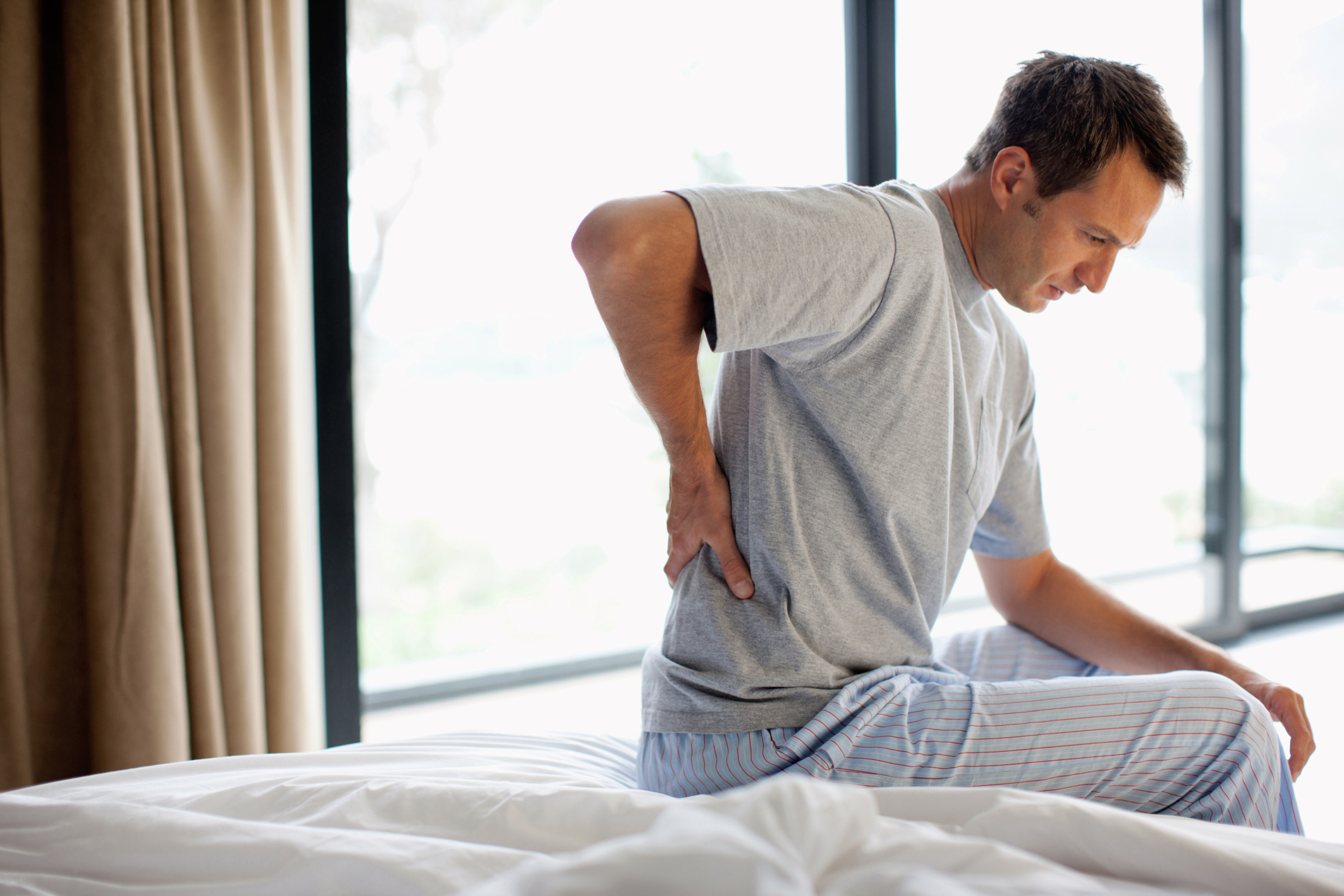 Upper Back Pain Symptoms Causes Risk Factors Complications