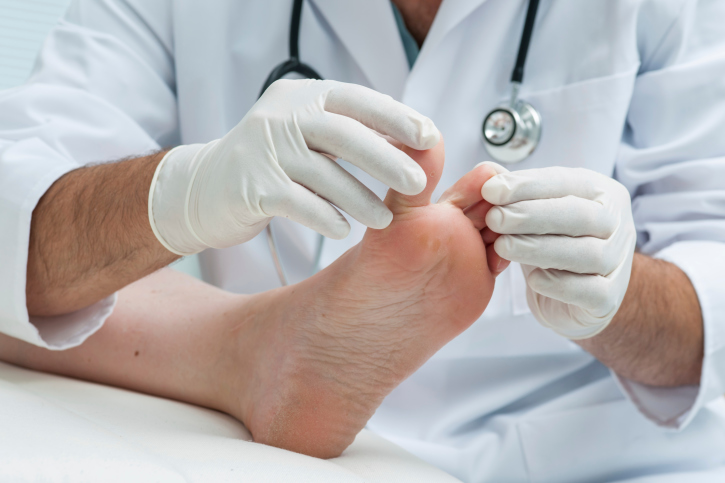 10 Reasons to See a Podiatrist